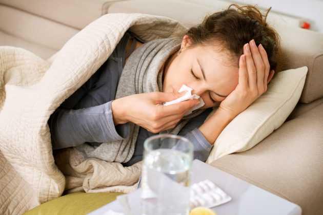 При простуде у ребенка болит голова