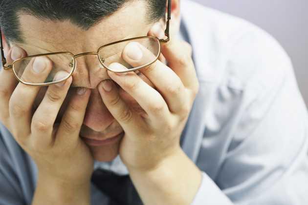 при каких симтомов нужно обращаться офтальмологу