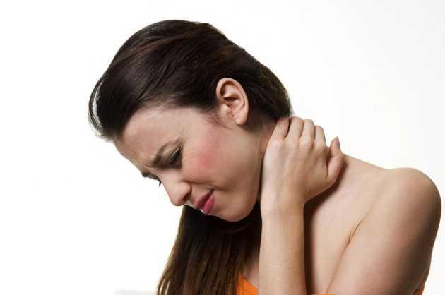 болит ухо голова и шея