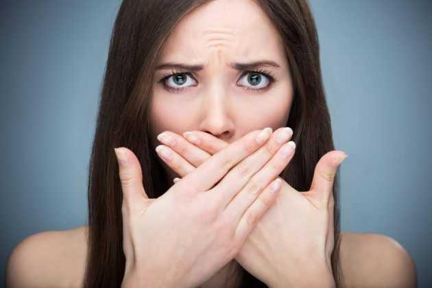 сухость во рту и головная боль